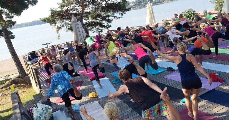 Sommar Yoga på Solbrännan
